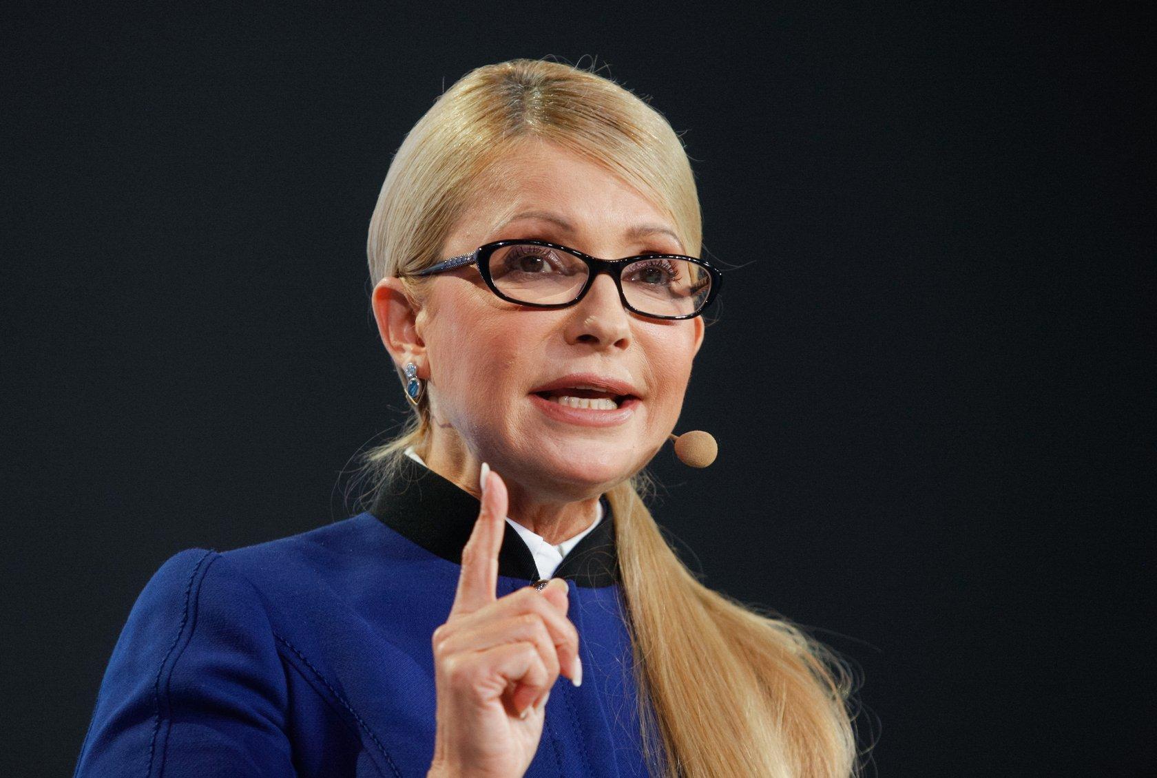 ona-poigrala-s-ego-chlenom-zaebali-russkuyu-shlyushku-v-saune